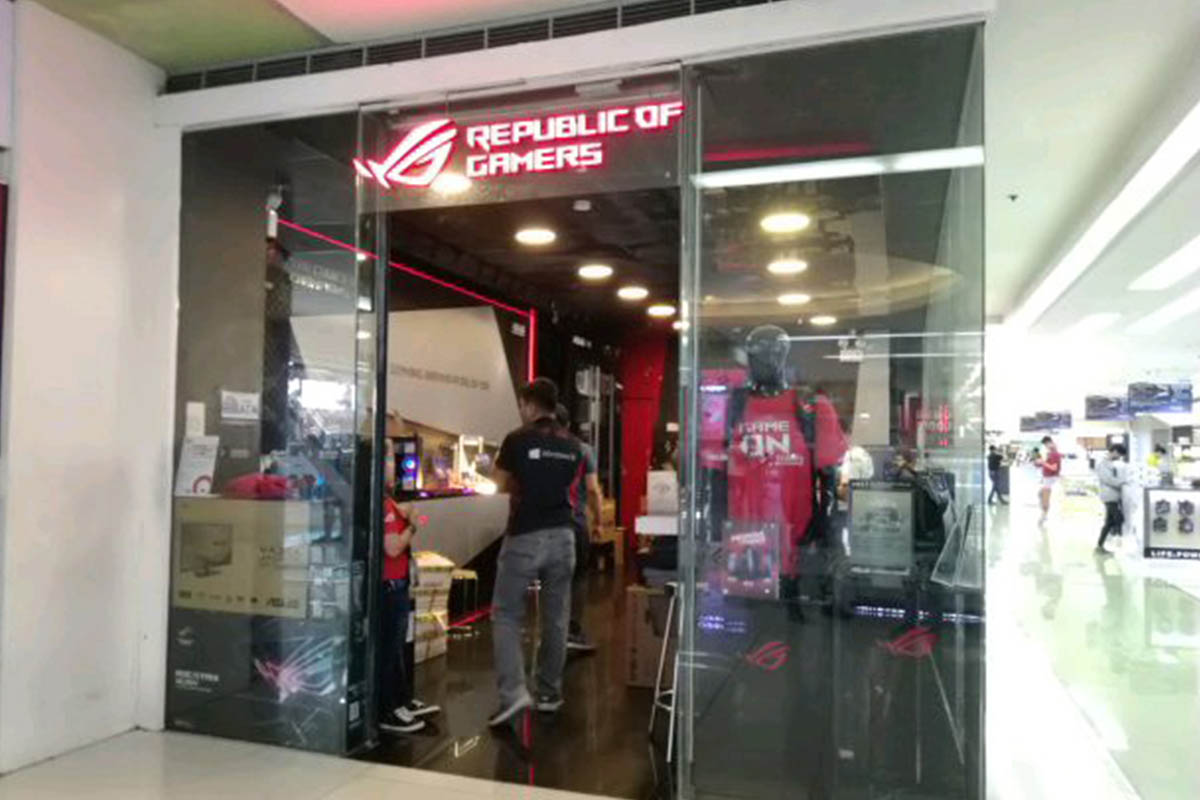 ROG Concept Stores - SM Megamall